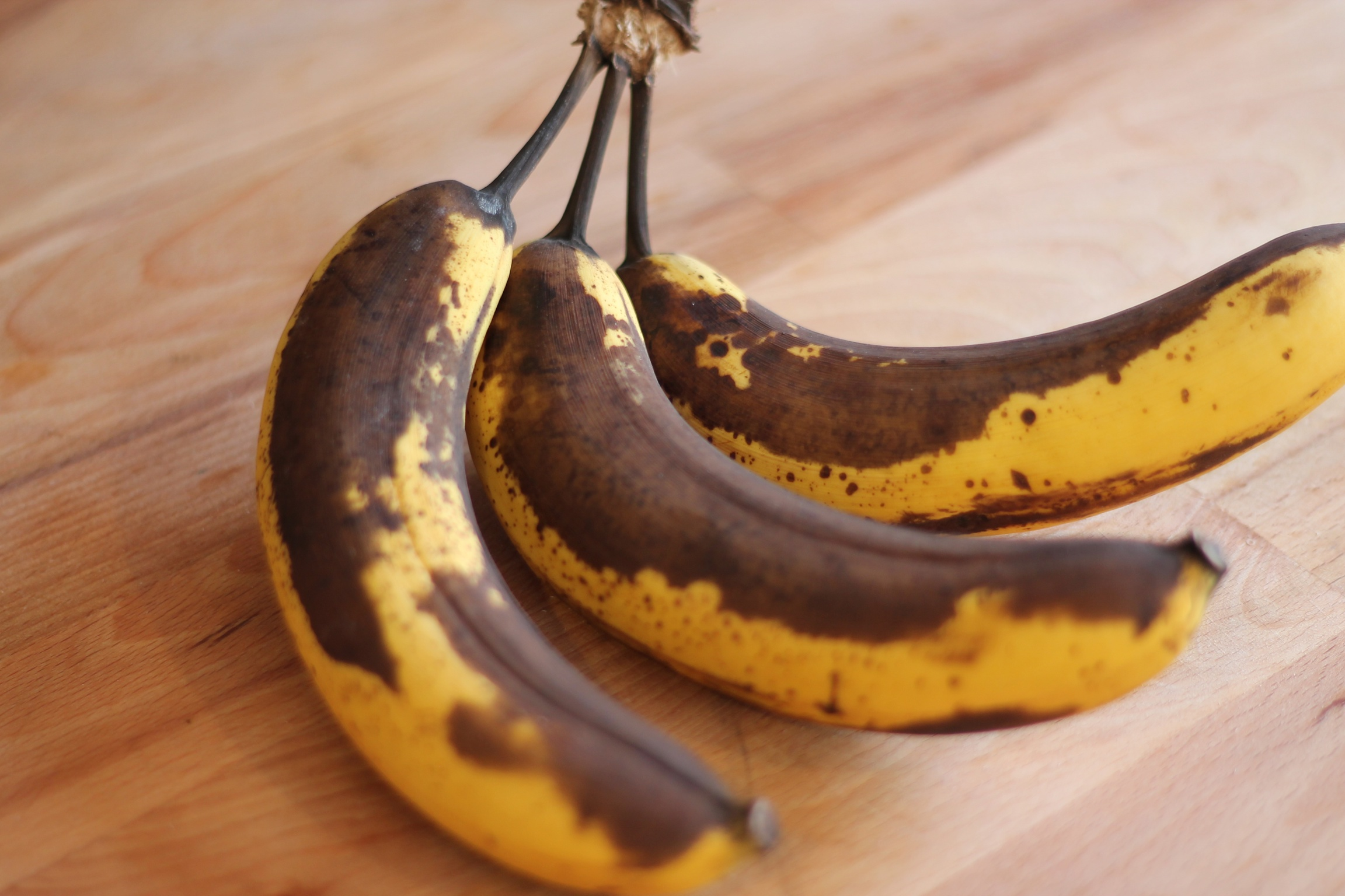 how to keep bananas from going brown