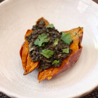 Black Dhal Stuffed Sweet Potato is a great detox meal. It's full of fiber and is an immune-boosting powerhouse! | sarahnspice.com